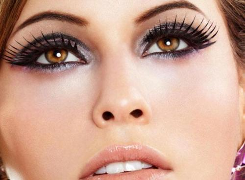 The Best Tips to Get Thick and Long Eyelashes